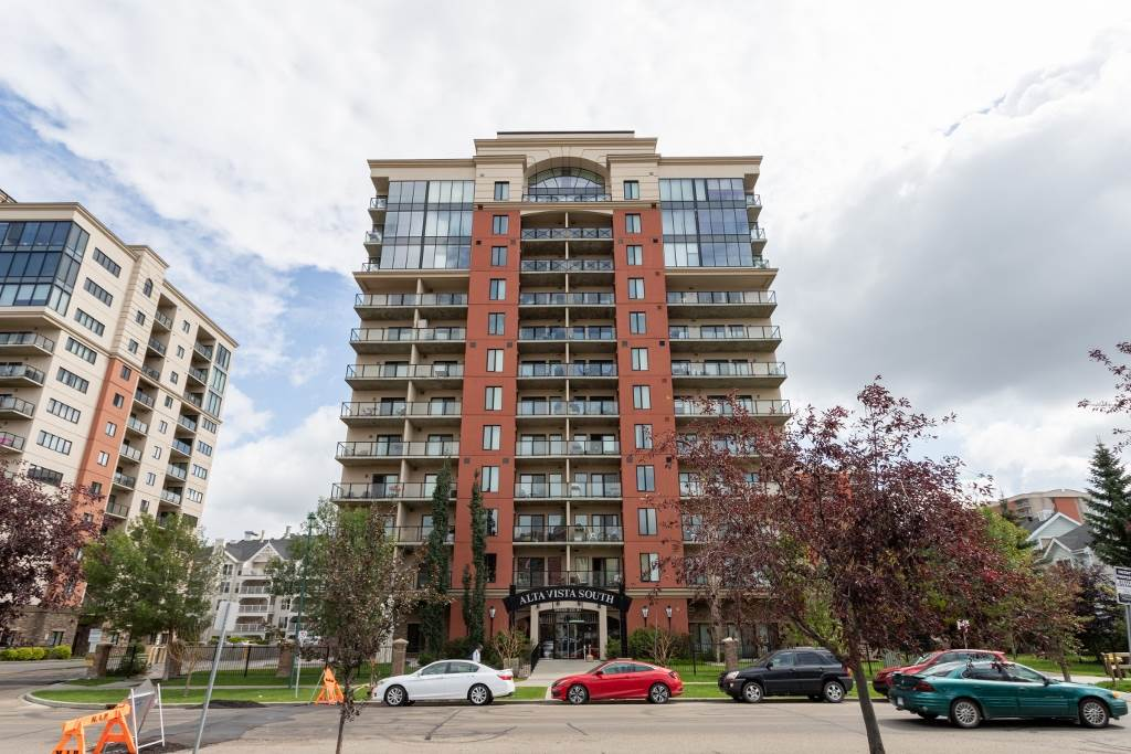 MLS® listing #E4176331 for sale located at 511 10303 111 Street
