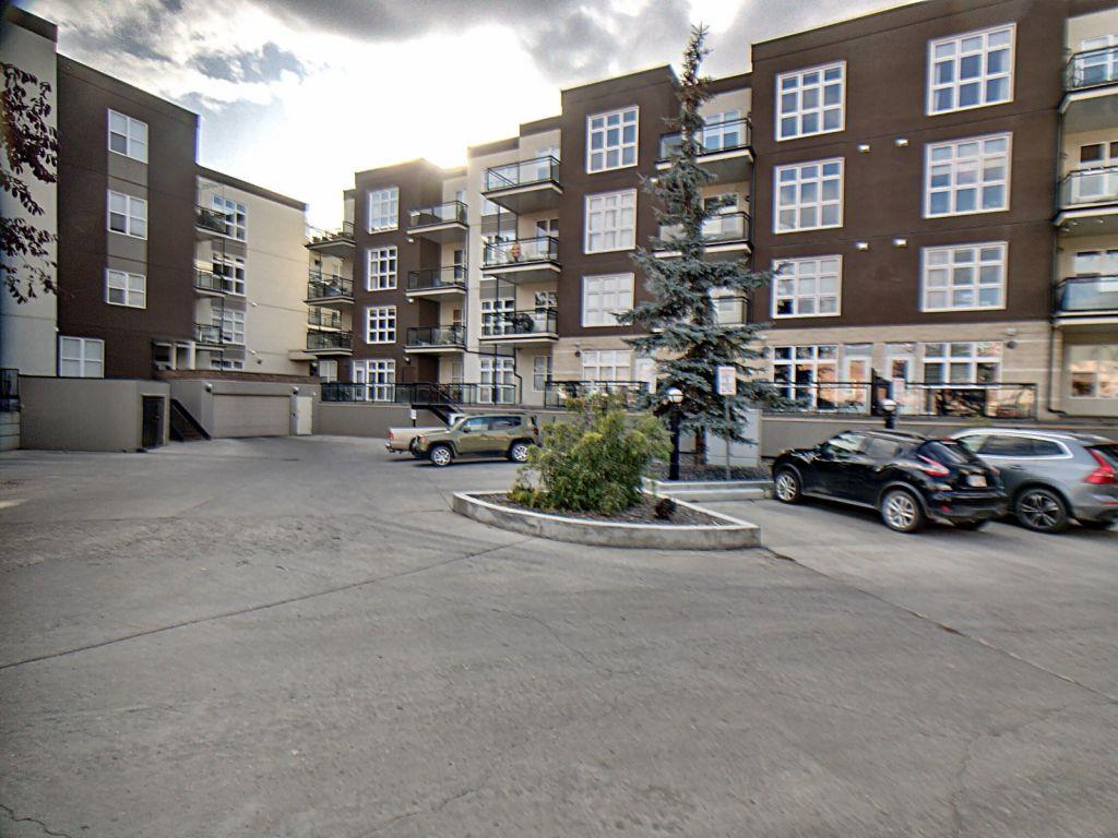 MLS® listing #E4177179 for sale located at 220 10407 122 Street