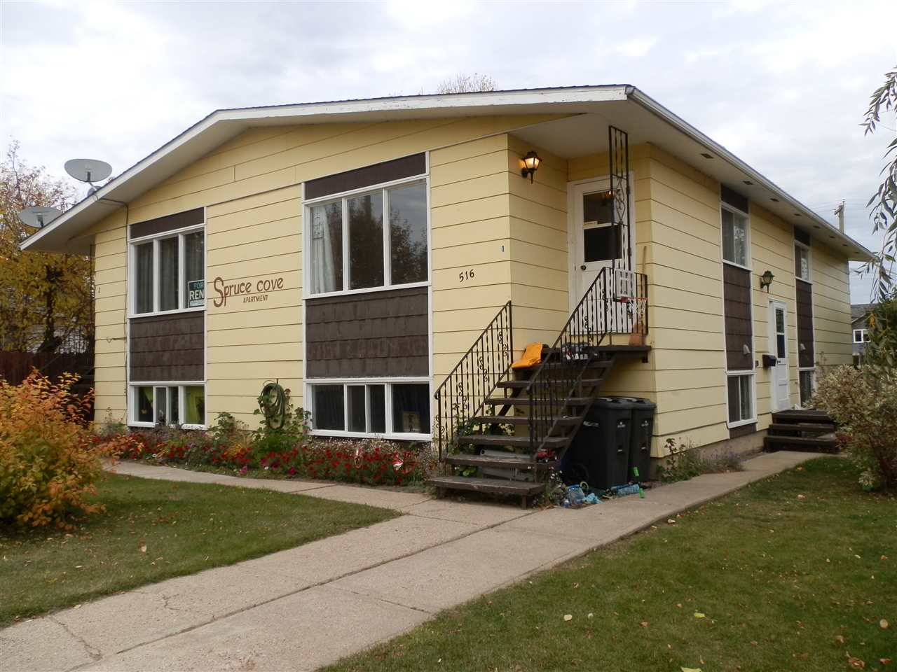 MLS® listing #E4177330 for sale located at 516 10 Street