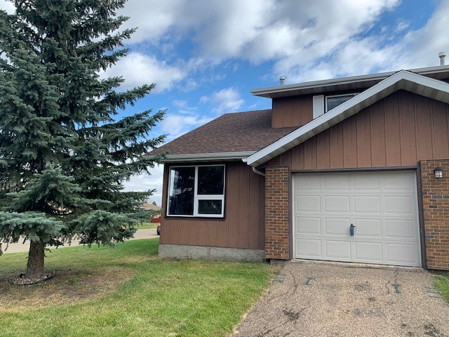 MLS® listing #E4177967 for sale located at 11011 162A Avenue