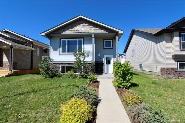 108 Mt Sundance Crescent W, 4 bed, 3 bath, at $283,900