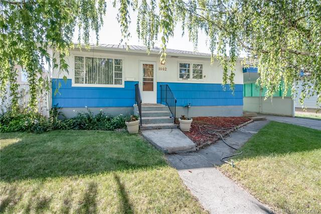 1002 18 Street N, 3 bed, 1 bath, at $184,900