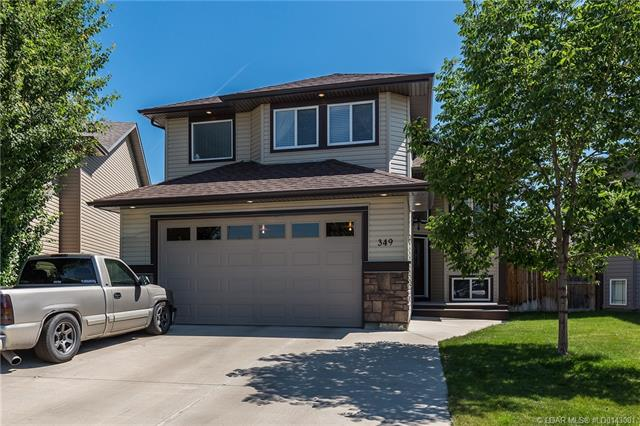 349 Grizzly Crescent N, 5 bed, 3 bath, at $389,900