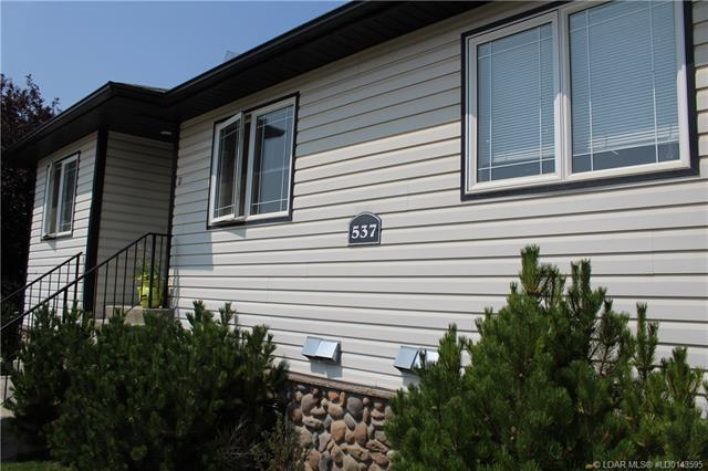 537 9 Avenue N, 2 bed, 1 bath, at $179,900