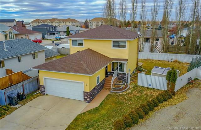 6 Mt Rundle Place W, 3 bed, 4 bath, at $324,000