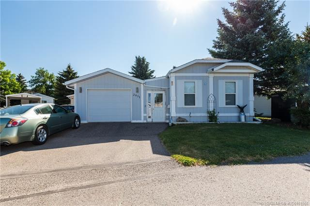 2931 31 Street S, 3 bed, 2 bath, at $123,900