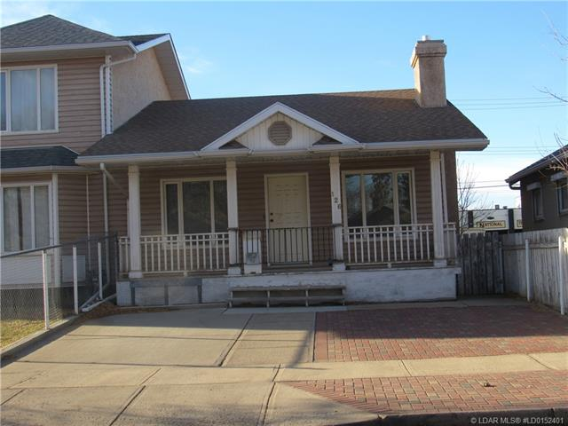 126 14 Street N, 2 bed, 1 bath, at $149,900