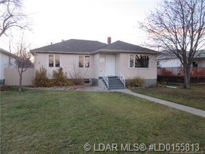 618 17 Street S, 3 bed, 2 bath, at $265,000