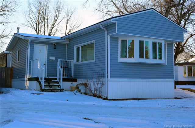 911 Macleod Street, 2 bed, 1 bath, at $46,000