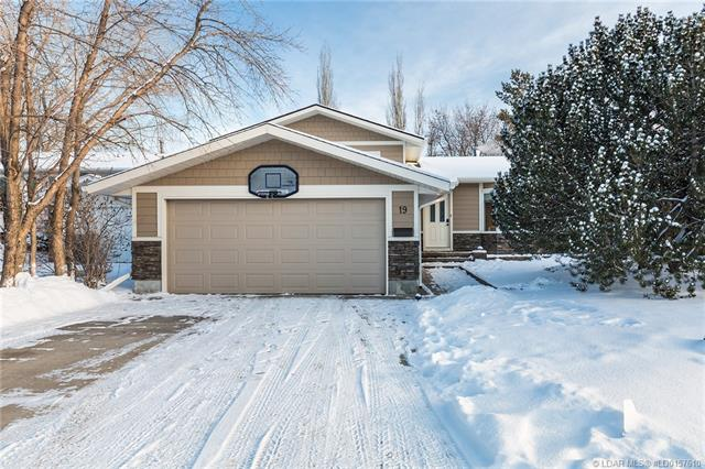 19 Cayuga Place W, 3 bed, 3 bath, at $309,900