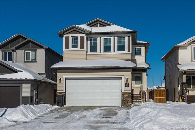 43 Moonlight Boulevard W, 4 bed, 3 bath, at $389,900