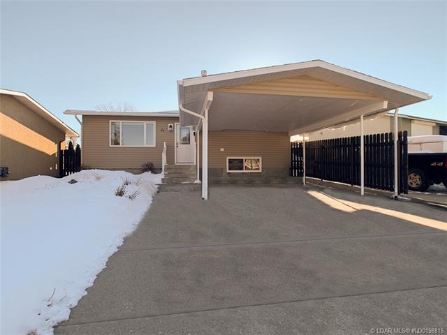 31 Staffordville Crescent N, 3 bed, 2 bath, at $277,500