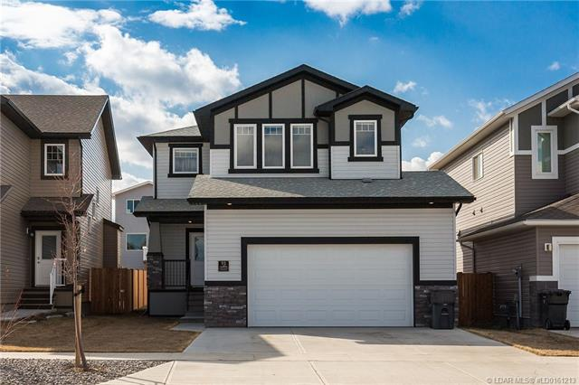 95 Moonlight Boulevard W, 3 bed, 3 bath, at $379,900