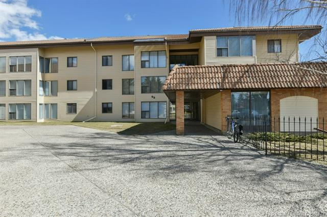 65 Temple Boulevard W, 1 bed, 1 bath, at $118,000