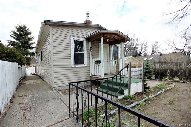 945 9 Street S, 2 bed, 1 bath, at $149,000