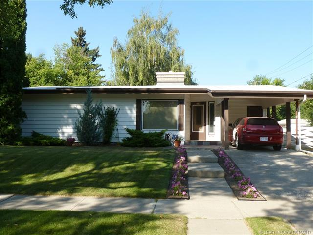 916 21 Street S, 5 bed, 2 bath, at $279,900