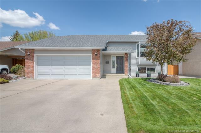 38 Erminerun Place N, 4 bed, 3 bath, at $369,900