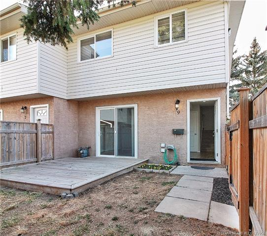 1915 18 Avenue N, 2 bed, 1 bath, at $149,900