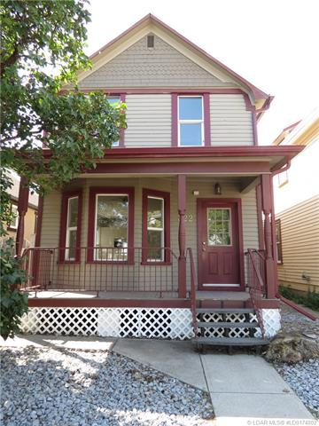 322 6 A Avenue S, 3 bed, 2 bath, at $239,900