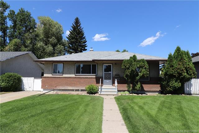 2117 19 Avenue S, 3 bed, 1 bath, at $243,800