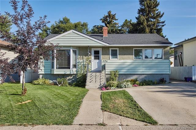 426 11 Street SW, 3 bed, 2 bath, at $229,900