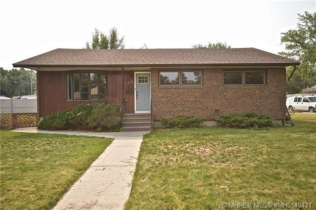198 Mitchell Crescent NW, 4 bed, 2 bath, at $374,900