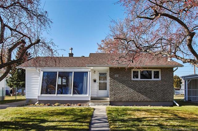 145 Mitchell Crescent NW, 3 bed, 2 bath, at $229,900