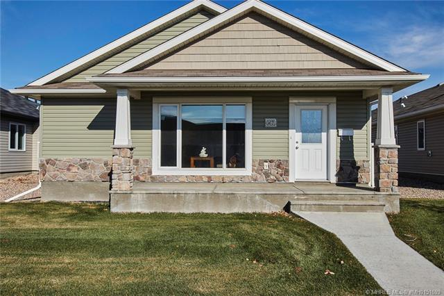 167 Chartwell Row SE, 2 bed, 2 bath, at $329,900