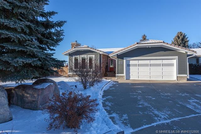 28 Ross Heights Court SE, 3 bed, 2 bath, at $369,900