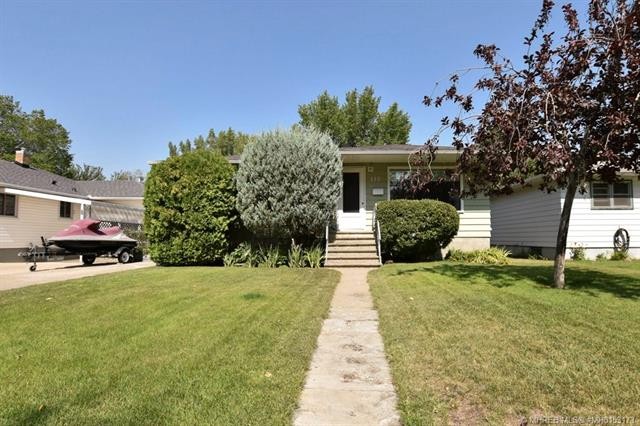 122 Connaught Drive SW, 3 bed, 2 bath, at $262,900