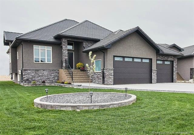 32 Links Place SW, 4 bed, 3 bath, at $840,000