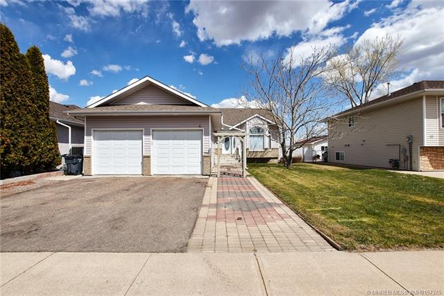 48 Shannon Crescent SE, 3 bed, 2 bath, at $348,500