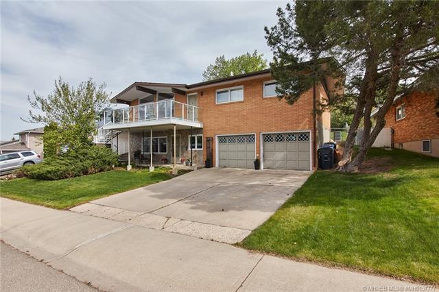 35 Chinook Drive SW, 3 bed, 3 bath, at $349,900