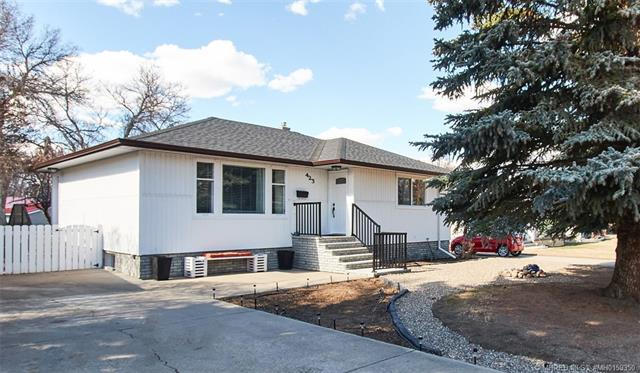 423 Connaught Drive SW, 2 bed, 2 bath, at $307,500