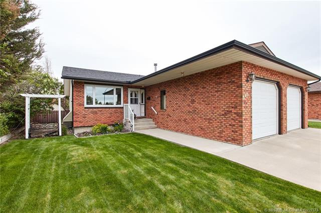 240 Ross Glen Road SE, 3 bed, 3 bath, at $369,500