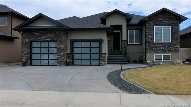 47 Links Place SW, 4 bed, 3 bath, at $679,900