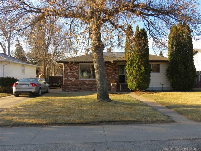 173 12 Street NW, 3 bed, 2 bath, at $233,000