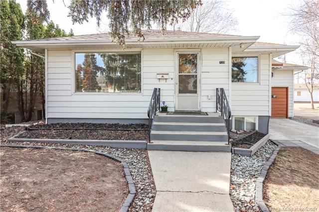 729 7 Street SW, 4 bed, 2 bath, at $215,000