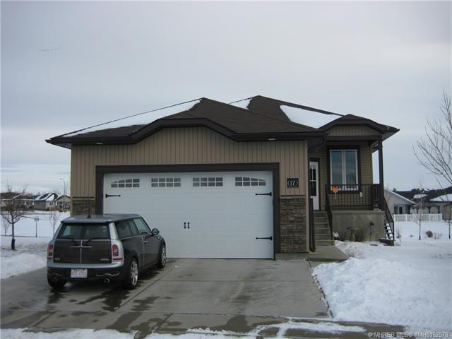 17 Chartwell Place SE, 3 bed, 3 bath, at $378,900
