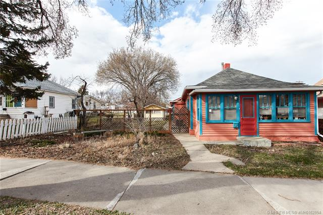 1062 Queen Street SE, 2 bed, 2 bath, at $189,500