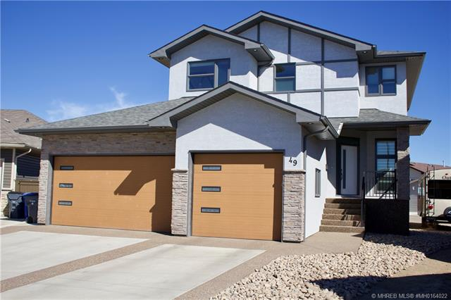 49 Somerset Bay SE, 4 bed, 4 bath, at $697,500