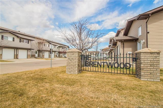 15 Brentwood Lane SW, 3 bed, 3 bath, at $227,900