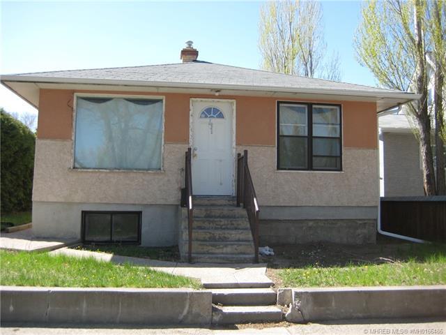 41 9 Street SW, 3 bed, 2 bath, at $160,000