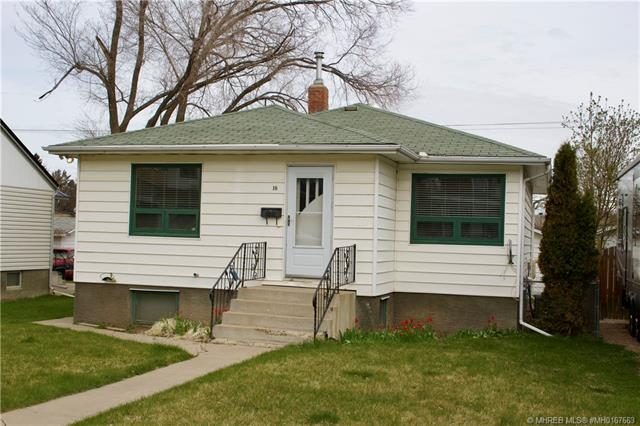 18 8 Street SE, 4 bed, 2 bath, at $237,500