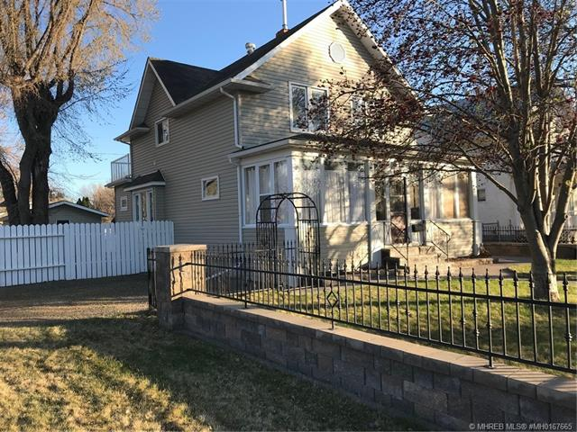 169 5 Street SE, 3 bed, 2 bath, at $399,900