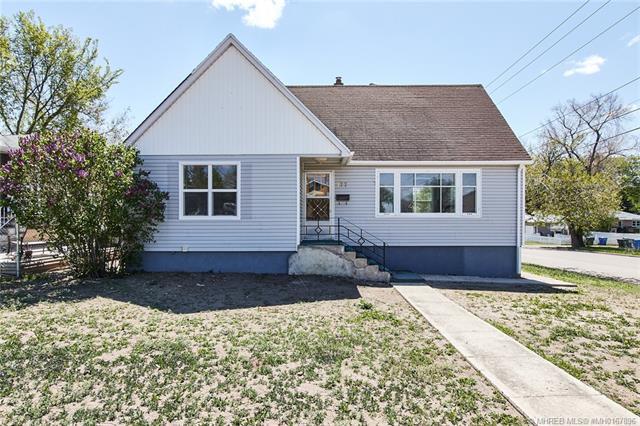 377 3 Street SW, 5 bed, 2 bath, at $234,900