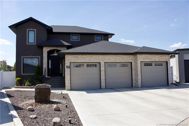 101 Somerset Mews SE, 4 bed, 4 bath, at $688,900