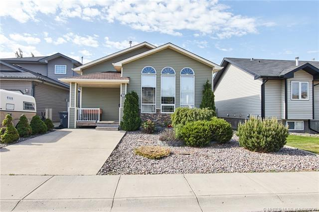 59 Sunset Crescent SW, 4 bed, 3 bath, at $349,900