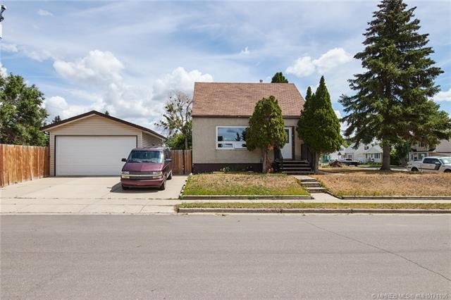 276 10 Street SW, 3 bed, 1 bath, at $209,900
