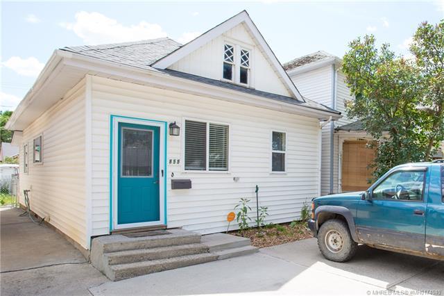 855 3 Street SE, 2 bed, 1 bath, at $139,900